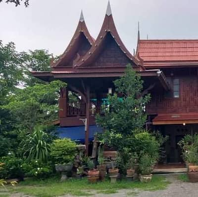 1 Bedroom Home for Sale in Khao Yoi, Phetchaburi - Thai style house with land