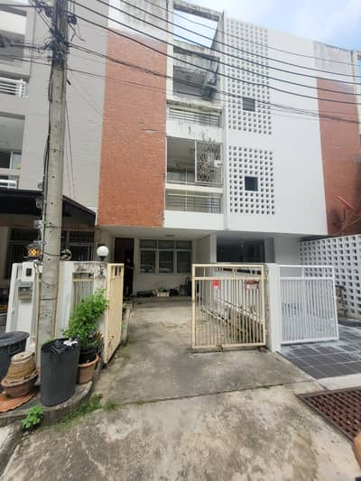 4 Bedroom Townhouse for Sale in Wang Thonglang, Bangkok - Quick sale, City Townhome Ladprao 80, size 16 sq m, negotiable, cheap price.