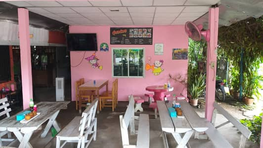 3 Bedroom Home for Sale in Mae Rim, Chiangmai - selling noodle shop With a house on a prime land plot Next to Mae Rim flower garden, Chiang Mai, price 2.5 million baht.