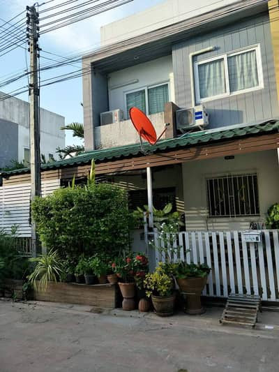 3 Bedroom Townhouse for Sale in Mueang Samut Sakhon, Samutsakhon - Townhouse for sale, Sarin Modern Ville, Samut Sakhon, behind the corner, ready to move in, near Sinsakhon Industrial Estate. near Rama 2 Road