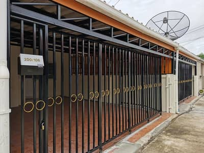 2 Bedroom Townhouse for Sale in Mueang Lop Buri, Lopburi - Newly renovated one-story townhouse for sale, Erawan area, Mueang Lopburi.