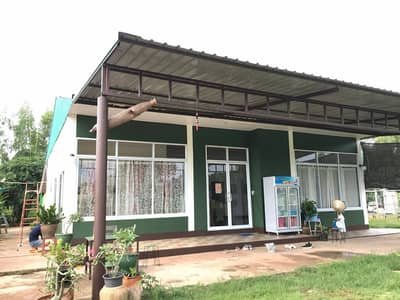 3 Bedroom Land for Sale in Mueang Sakon Nakhon, Sakonnakhon - House for sale with 7 rai of land and 12 rooms for rent.