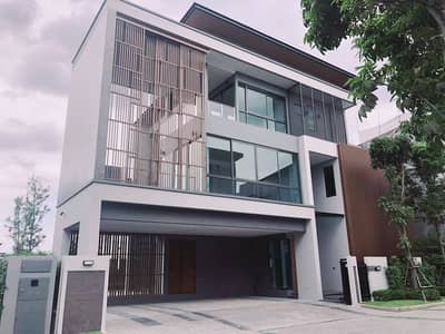 3 Bedroom บ้าน ประกาศขาย ใน พระโขนง, กรุงเทพมหานคร - Brand new House with swimming pool and private lift for sale