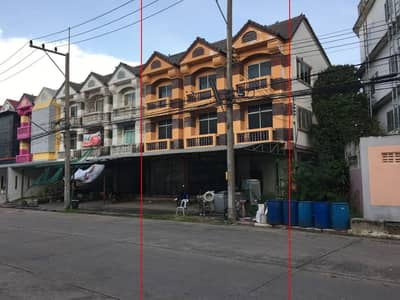 Commercial Building for Sale in Lat Lum Kaeo, Pathumthani - 3-storey commercial building for sale, 3 adjacent booths, Noppawong Village, Lat Lum Kaeo