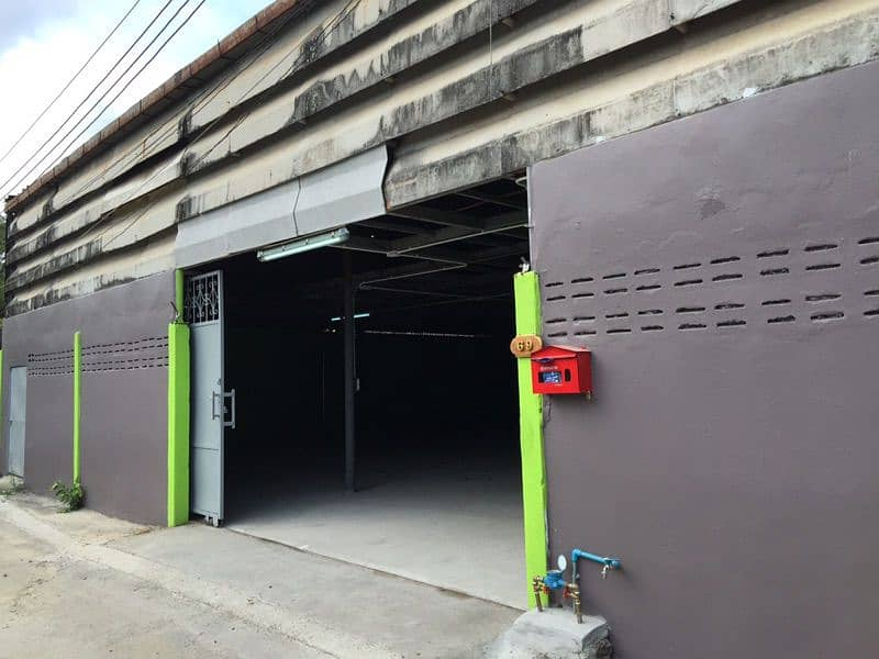 Rent space for warehouses or offices. In Soi Petchkasem 69 (Nong Khaem)
