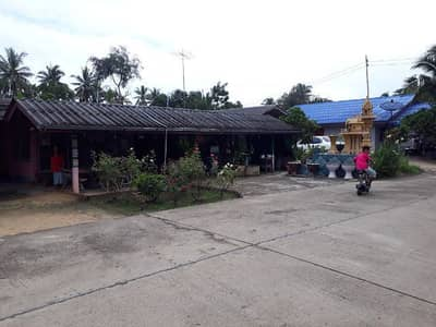 3 Bedroom Home for Sale in Tha Yang, Phetchaburi - House with land in front of the house open shop