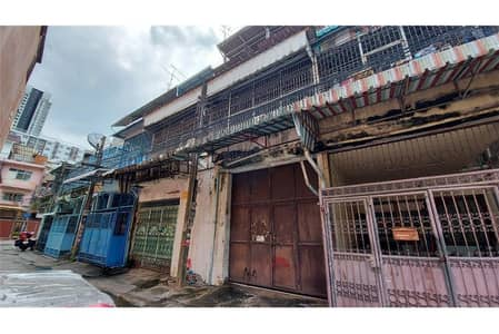4 Bedroom Townhouse for Sale in Din Daeng, Bangkok - Townhouse for sale, 2 booths, 34 sq m. M. Kwan Phatthana Market, Asoke-Din Daeng, suitable for a warehouse or residence.
