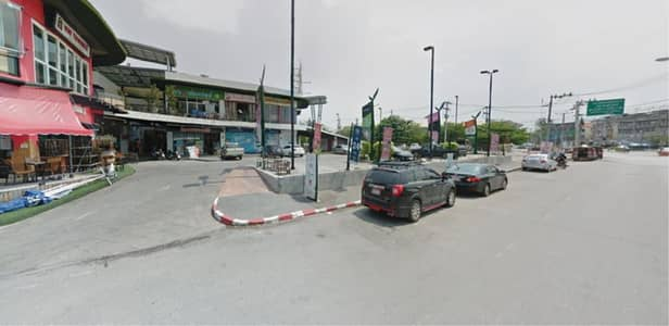 Office for Sale in Mueang Chiang Mai, Chiangmai - 39609 - Community Mall City center For Sale , Chiang Mai, Plot size 4-1-97.50 rai.