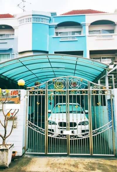 3 Bedroom ทาวน์เฮ้าส์ ให้เช่า ใน บางนา, กรุงเทพมหานคร - H541HH-For rent 4-storey townhouse, Happy Land Village, Soi Lasalle 32. There are furniture and electrical appliances. ready to move in