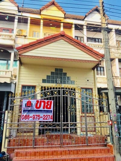 4 Bedroom Townhouse for Sale in Bang Khae, Bangkok - 3-storey townhouse for sale, 20.6 sq m, fully furnished, in Soi Petchkasem 78, near The Mall, Bang Khae, near BTS