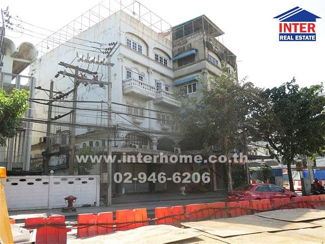 Commercial building 4 floors 40 sq. w. Near Central East Ville Soi Ladprao 80/3, Ladprao Road
