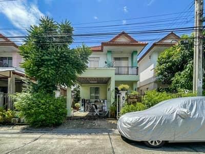3 Bedroom Home for Sale in Bang Khae, Bangkok - Twin house, Paravee University, Petchkasem 63 on a good location, convenient to travel on Petchkasem Road, near BTS and expressway.