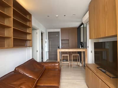 2 Bedroom Condo for Sale in Phaya Thai, Bangkok - For sale by owner, no brokers. Cut off the commission as a discount to the buyer. Room 53.13 square meters, corner room, 2 bedrooms, 33rd floor, ceiling height 3.2 meters.
