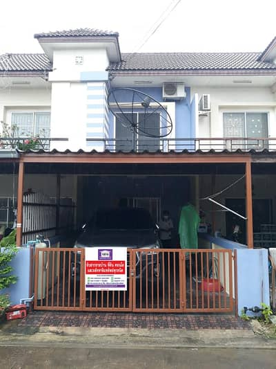 2 Bedroom Townhouse for Sale in Si Racha, Chonburi - Townhome for sale, 2 floors, good location, in front of Laem Chabang Municipal School 1