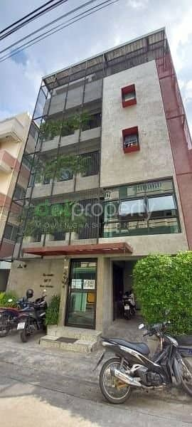 20 Bedroom Apartment for Sale in Bang Khen, Bangkok - New apartment for sale, 5 floors, 32 rooms, loft style, near the train station, near the main road, near the university