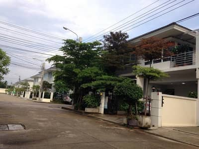 3 Bedroom Home for Rent in Bang Yai, Nonthaburi - 2 storey twin house for rent, behind the corner, Bang Yai area, Perfect Park West Gate, near Khlong Bang Phai MRT station. Central Westgate Fully furnished pleasant shady trees This is a corner house next to Main Street.