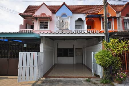 3 Bedroom Townhouse for Sale in Mueang Chon Buri, Chonburi - New renovate Townhome 2fls