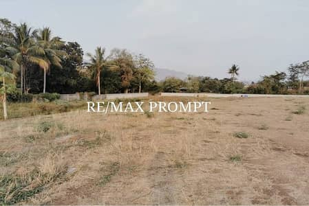 Land for Sale in Muak Lek, Saraburi - For sale at the sale of vacant land urgently !! In the golf course project, SIR JAMES RESORT is suitable for building a vacation home, mountain views and those interested in golf. The area is 1,187 square wa, almost three rai, 13 square wa, has a public w