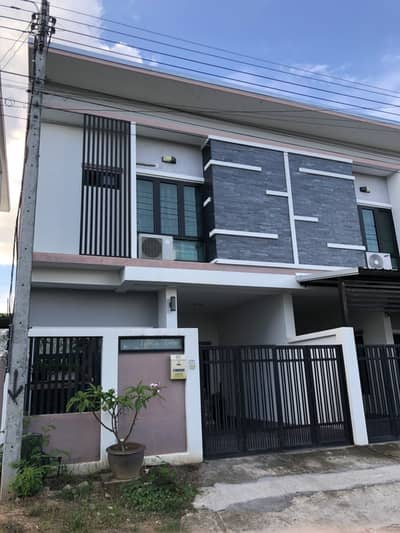 2 Bedroom Townhouse for Rent in Mueang Chiang Mai, Chiangmai - Townhome 2 floors, 2 bedrooms, 3 bathrooms, Suthep Subdistrict, Mueang Chiang Mai District, Tel. 082-3899314 (boo)