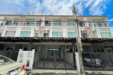 3 Bedroom Townhouse for Sale in Khan Na Yao, Bangkok - Townhome 179 sq m The Plant City Nawamin 86
