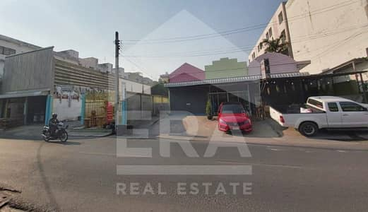 Factory for Sale in Don Mueang, Bangkok - Quick sale! 2-storey warehouse with 3 rental rooms, total area 1-0-12 rai, Don Mueang, Bangkok.