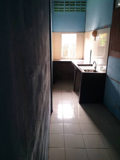 2 Bedroom Home for Rent in Bang Phlat, Bangkok - 1 storey house, width 34 square meters 2 bedrooms with air conditioning, 1 bathroom, 1 kitchen