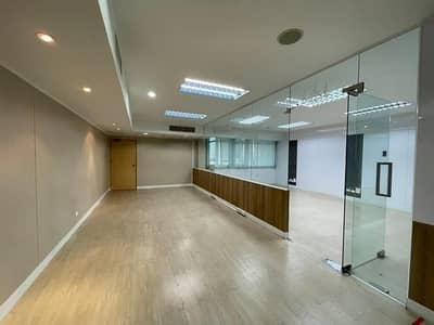 Office for Rent in Chatuchak, Bangkok - Office space for rent near MRT Ladprao 180 meters, area 200 - 850 square meters.