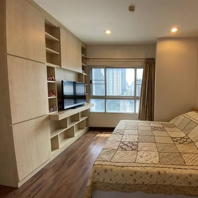2 Bedroom Condo for Sale in Khlong San, Bangkok - For sale. Condo Q house Sathorn, next to bts Krungthonburi, room 65 square meters, 10th floor, ready to move in. Selling by owner.