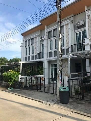 4 Bedroom Townhouse for Rent in Bueng Kum, Bangkok - 2 storey townhome for rent Ladprao-Kaset Nawamin area, rental price 16,000 baht / month, Golden Town, Ladprao - Kaset Nawamin, Soi Nawamin 42, intersection 27, suitable for living. no pets