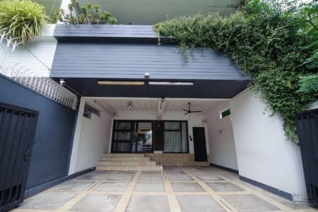 3 Bedroom Home for Rent in Phaya Thai, Bangkok - Town Home for Rent : Close to BTS Sanam Pao Bangkok (0646654666)
