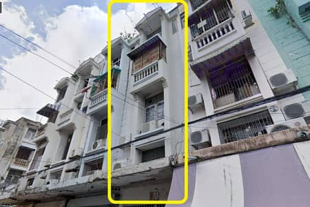 Commercial Building for Sale in Chatuchak, Bangkok - Urgent sale, commercial building, Soi Phahonyothin 40, near the train station and Kasetsart University, 1 booth, size 3.75 floors + mezzanine, width 4 meters, depth 18 meters, area 22 sq m, on the usable area of over 270 sq m.