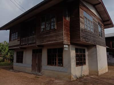 2 Bedroom Home for Sale in Khu Mueang, Buriram - Chai two-story house (house only), old, antique wood