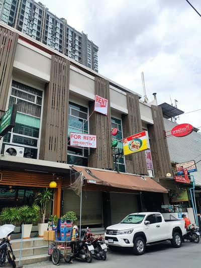 Commercial Building for Rent in Watthana, Bangkok - For rent urgently ! Commercial building, Soi Sukhumvit 79, convenient transportation near BTS. On Nut