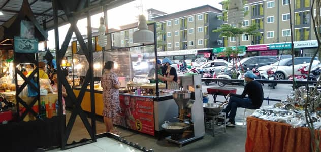 Commercial Space for Sale in Lam Luk Ka, Pathumthani - Selling food for sale Nana Charoen Market