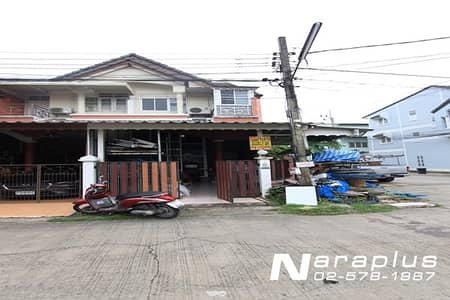 3 Bedroom Townhouse for Sale in Khlong Sam Wa, Bangkok - 64090578: 2.5-storey townhouse, behind the corner of Main Road, opposite the garden, on a land size of 19.4 square meters, Sena Villa 8 project, Phraya Suren 42 road, good stuff, cheap price.