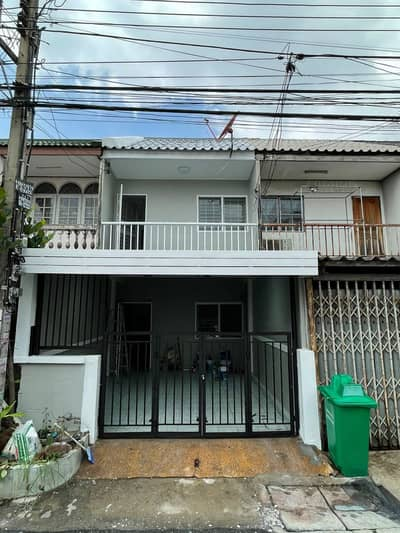 2 Bedroom Townhouse for Sale in Khan Na Yao, Bangkok - 2-storey townhouse, area 16 sq m. , No. 29/370, Village of the Supreme Commander, Ramintra Road 46, Intersection 3/3, Ramintra Sub-district, Khanna District, Bangkok. (Selling at a very special price)