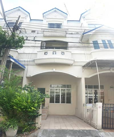 4 Bedroom Townhouse for Sale in Khan Na Yao, Bangkok - 3-storey townhome for sale, Ramintra Soi 8 (Chinatown Village)