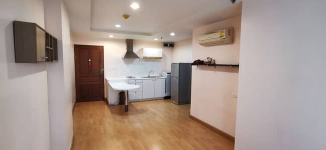 "1 Bedroom Condo for Sale in Yan Nawa, Bangkok - Condo ""Resorta Yen Akat"" type 1 bedroom with partition."