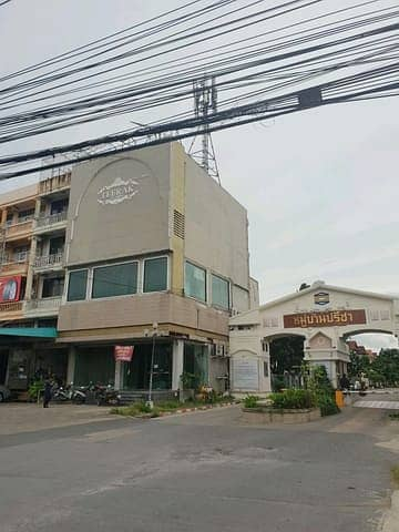 Commercial Building for Sale in Saphan Sung, Bangkok - Seling Commercial Building  For Sale On the main Road  Ramkhamhaeng
