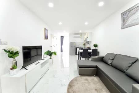 2 Bedroom Condo for Sale in Mueang Chiang Mai, Chiangmai - SR Complex Condo, Good location, beautiful, near Bangkok Hospital. Newly decorated, ready to move in.