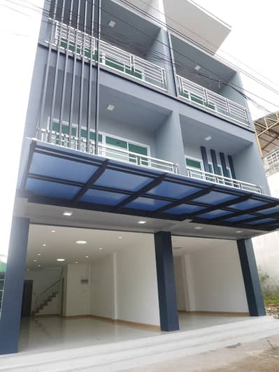 Commercial Building for Sale in Mueang Udon Thani, Udonthani - 1 booth left, a new 3-storey building in the middle of the city Good location to do business