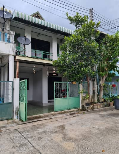 2 Bedroom Townhouse for Sale in Mueang Kanchanaburi, Kanchanaburi - House for sale, townhouse. near Kaeng Sian intersection Quick sale 1.2 million