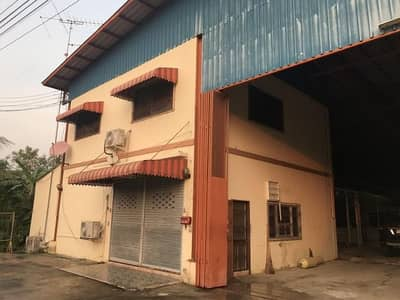 Factory for Sale in Phra Khanong, Bangkok - Warehouse for sale, area 233 square meters, area 1,000 square meters, office, water, electricity, 3 phases, floor load of 3 tons, square meters, Sukhumvit Road, Phra Khanong, selling price 15 million