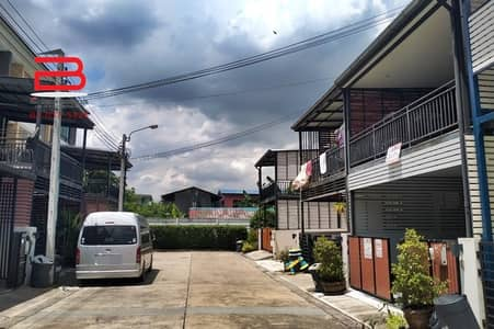 3 Bedroom Home for Sale in Prawet, Bangkok - 3-storey townhome, The Connect Up 3 project, Chaloem Phrakiat 67, area 21.1 sq m. , 3 bedrooms, 3 bathrooms, Prawet District