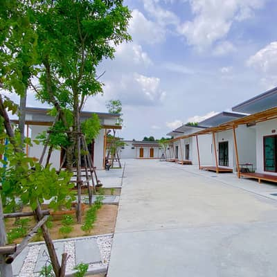 8 Bedroom Hotel for Sale in Pluak Daeng, Rayong - Land with rooms for rent, land almost 2 rai, behind Saphan Si Pluak Daeng Market, Rayong