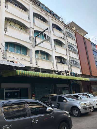 8 Bedroom Commercial Building for Rent in Bang Phlat, Bangkok - Rent a shophouse wxd 12x16m, Charan 83-1, next to Bang Phlat MRT station