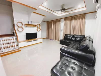 4 Bedroom Townhouse for Rent in Don Mueang, Bangkok - [RC376] 3-storey townhome for rent near Don Mueang Airport. Pinthong Village 5 Soi Chang Akat Uthit 14