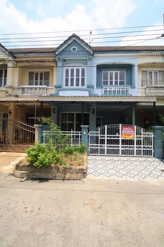 Townhouse renovated new Village, Buasarin, size 21 sq m. 3 bedrooms, 2 bathrooms, ready to move in, Bang Bua Thong, Nonthaburi