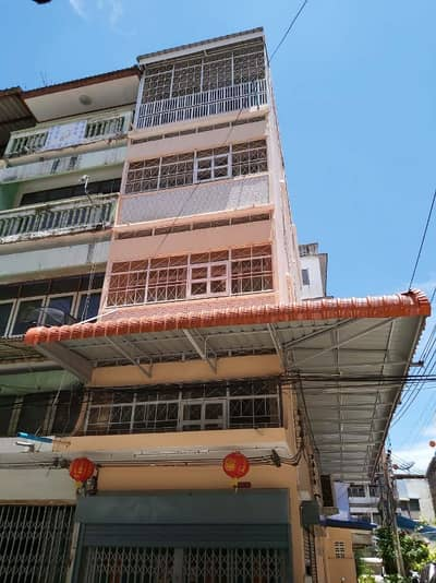 Commercial Building for Rent in Bang Kho Laem, Bangkok - Commercial building for rent, corner room, 5 floors, newly decorated Area 13.2 sq m. , Usable area 230 sq m. 3 bedrooms, 3 bathrooms, only 60 m. from Charoenkrung Road, 300 University to Asiatique, sliding glass air room with furniture + electrical applian
