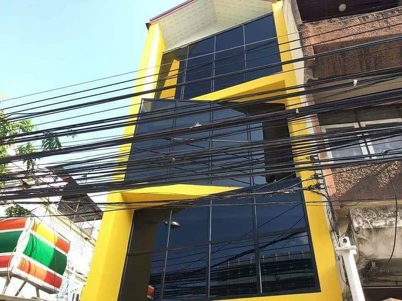 Commercial building for rent in Chiang Mai University.